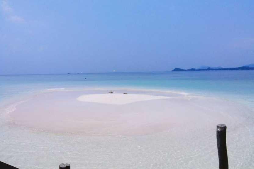 pasir timbul tempat foto prewed